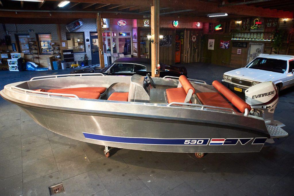 Solas-530-Aluminium-Consoleboot_3